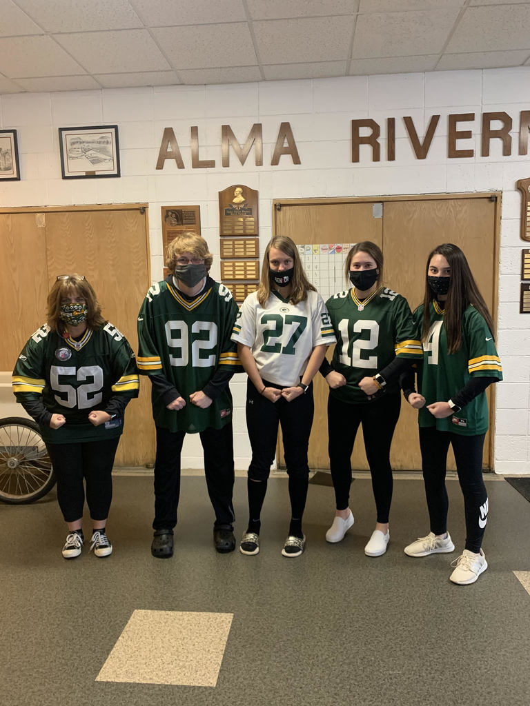 Homecoming Dress-Up Football